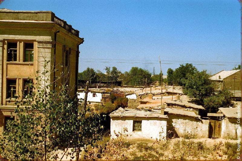 Photographie (résolution écran) : Fonds photographique Jacques Dupâquier — Voyage en URSS en 1956 — Ouzbekistan : «Tachkent-Vue prise depuis l'Institut pédagogique»