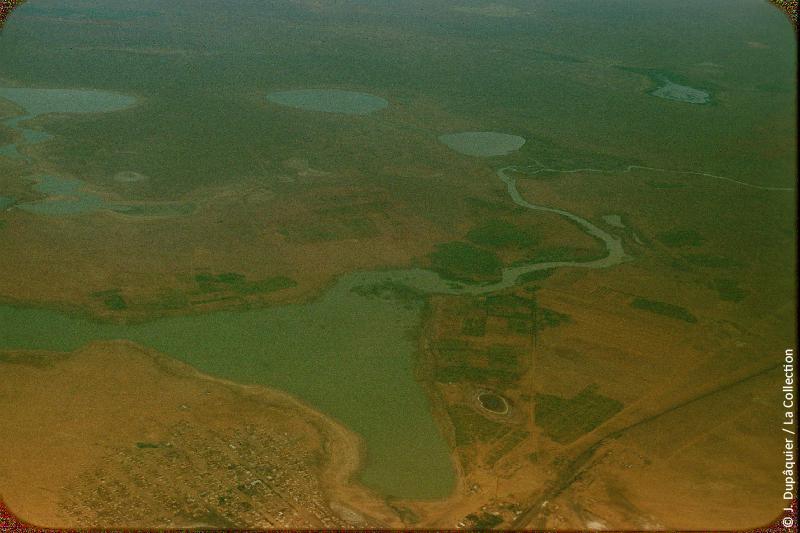 Photographie (résolution écran) : Fonds photographique Jacques Dupâquier — Voyage en URSS en 1956 — Ouzbekistan : «Voyage en  vers Tachkent-Steppes au nord de la mer d'Aral»