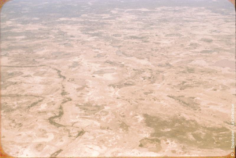 Photographie (résolution écran) : Fonds photographique Jacques Dupâquier — Voyage en URSS en 1956 — Ouzbekistan : «Voyage en  vers Tachkent-Désert d'Asie centrale»