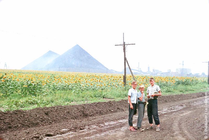 Photographie (résolution écran) : Fonds photographique Jacques Dupâquier — Voyage en URSS en 1964 — De Moscou au Caucase : «Bokovo Platovo dans le bassin du Donets»