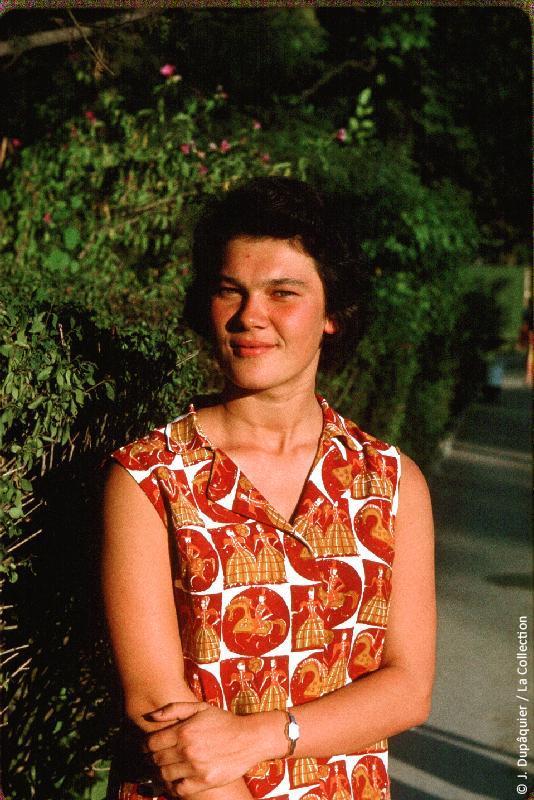 Photographie (résolution écran) : Fonds photographique Jacques Dupâquier — Voyage en URSS en 1964 — Caucase et Georgie : «Natacha Gontcharova»